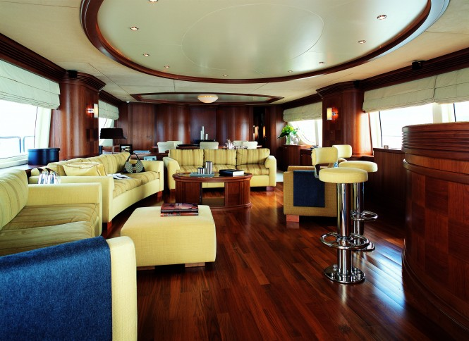 The Grande 116 superyacht Cinque Salon
