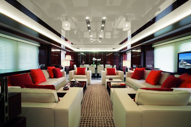 The luxury motor yacht Domani Main salon
