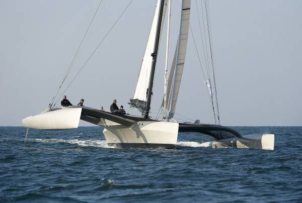 Trimaran segeln  My ideal cruising boat - Paradox a 60' Irens cruising trimaran ...