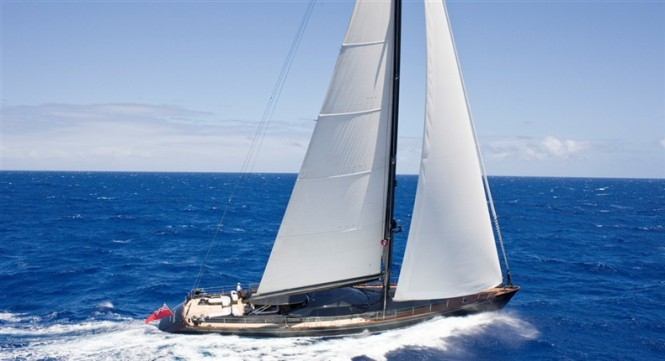 37.1m luxury charter yacht MOONBIRD