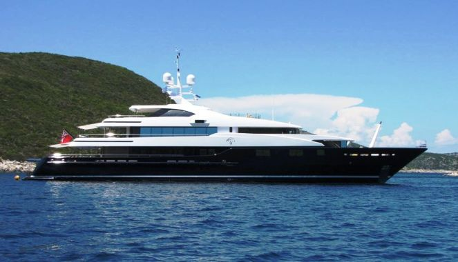 60m charter yacht CLOUD 9