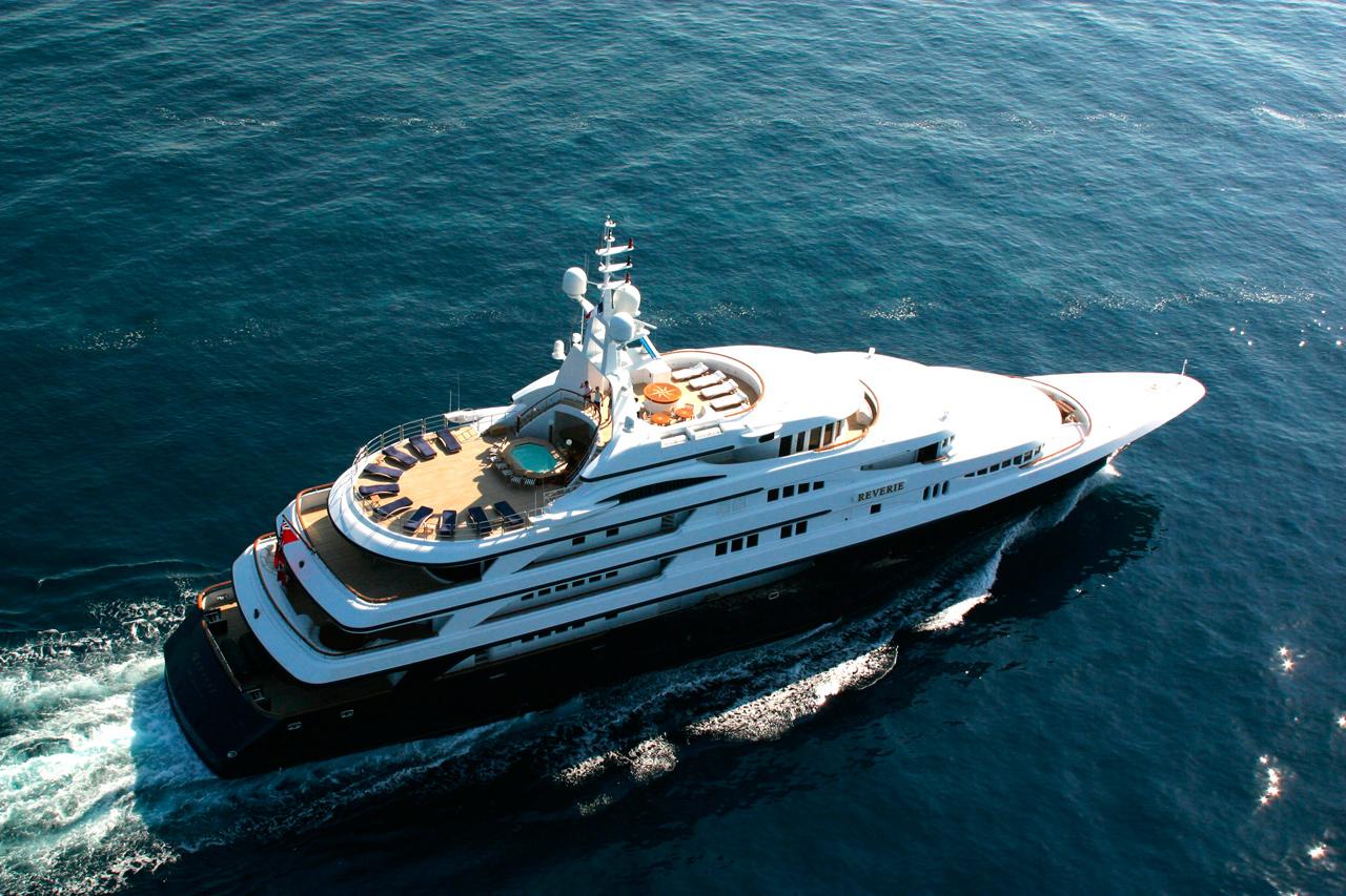 Benetti charter yacht Reverie