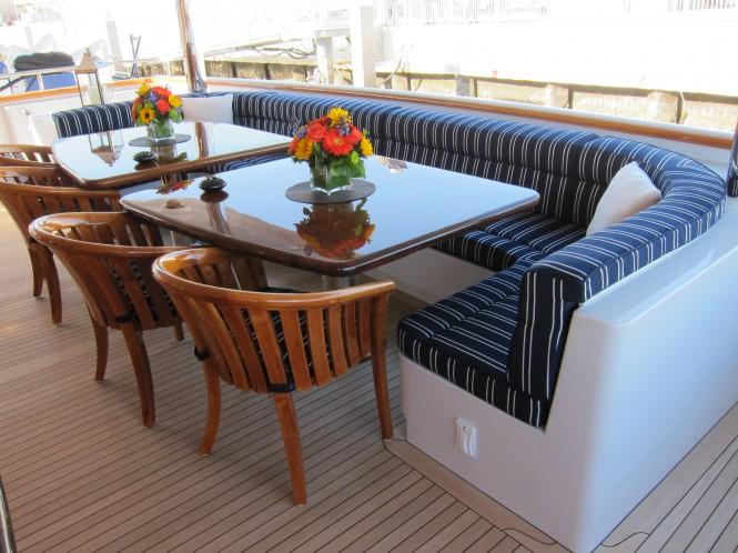 Casino Royale yacht - Al fresco settee
