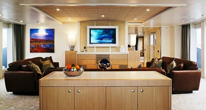Charter Yacht IDOL (ex OUTBACK) - Lounge