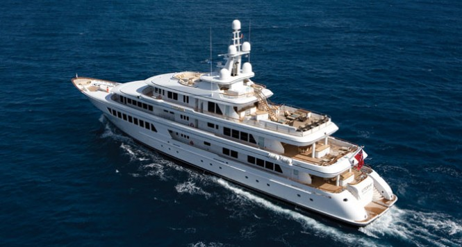 Feadship motor yacht UTOPIA
