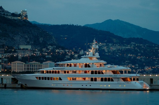Feadship superyacht UTOPIA at night