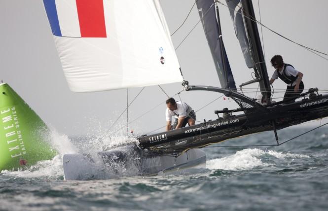 Groupe Edmond de Rothschild rounding a mark - Credit Lloyds Images