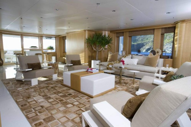 HELIOS Superyacht - Salon
