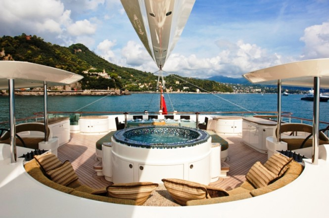 HEMISPHERE Catamaran - Spa Pool