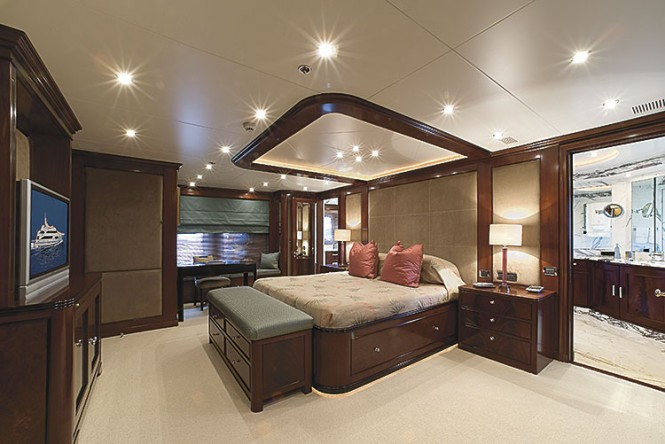 KIMBERLY II yacht - Master Cabin