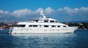 Luxury charter yacht Lionshare