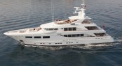Luxury charter yacht SNOWBIRD