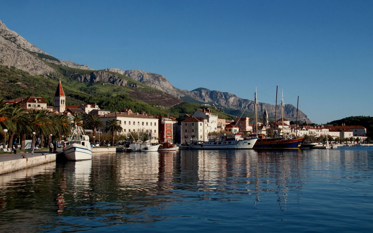 Makarska Croatia  City pictures : Makarska Croatia 10 Exceptional luxury charter yachts available in ...
