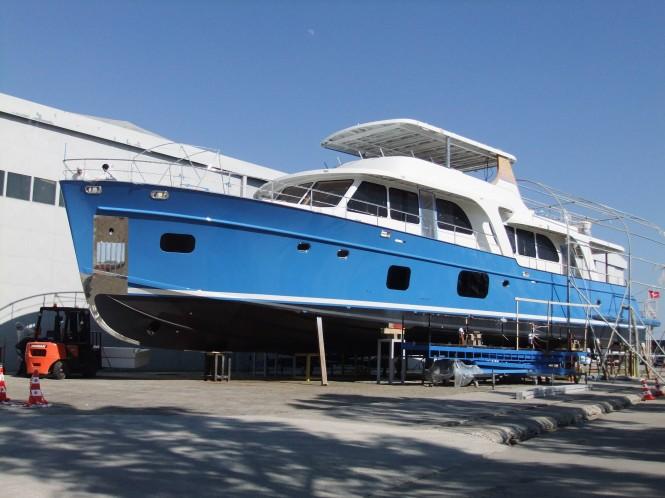 Vicem 107 Classic Cruiser Motor Yacht Moni On Water
