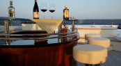 Motor Yacht Serenity II - Sundeck Bar
