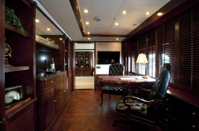 Noble House Superyacht - Master Study