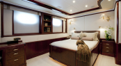 Noble House Yacht - Guest Room