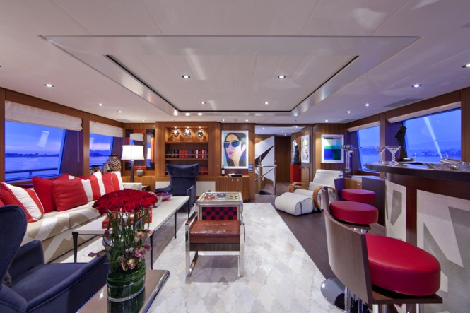 SNOWBIRD Superyacht - Deck Lounge