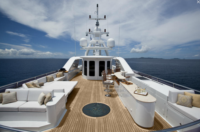 Superyacht Noble House - Sundeck - Photo by Ming Nomchong and Luke Henkel