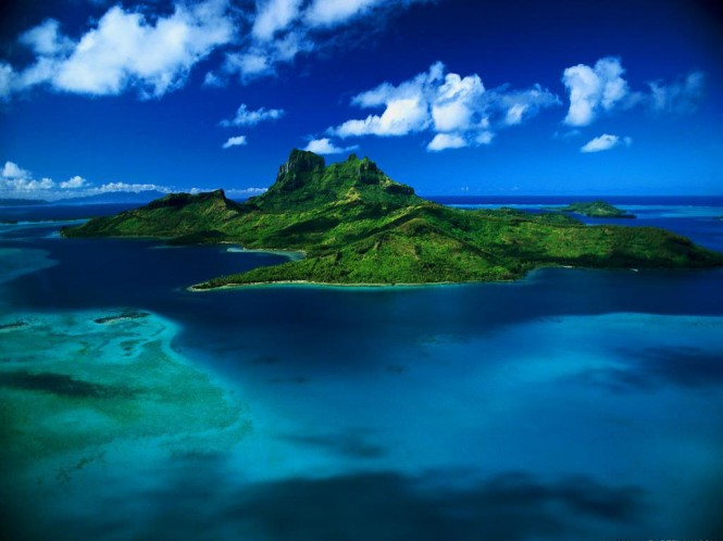 When cruising the remote French Polynesia (Tahiti) islands in the South Pacific, connection speeds of up to 20Mbps can now be achieved via the OmniAccess BroadBEAM ULTRA service