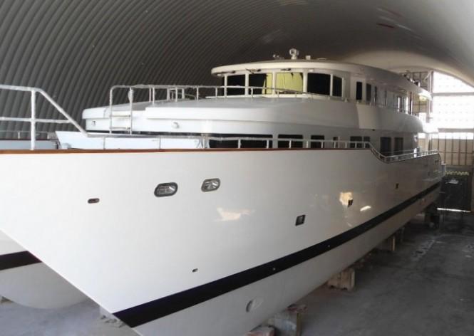 37m luxury catamaran PHATSARA