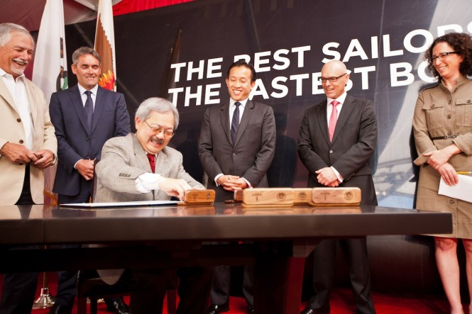 Signing of the agreement for the City to host the America´€™s Cup in 2013