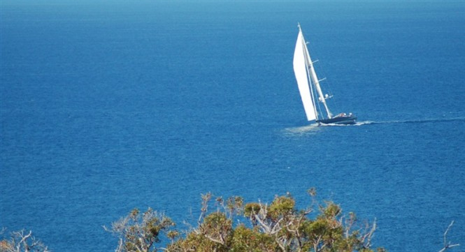 Alcanara superyacht under sail