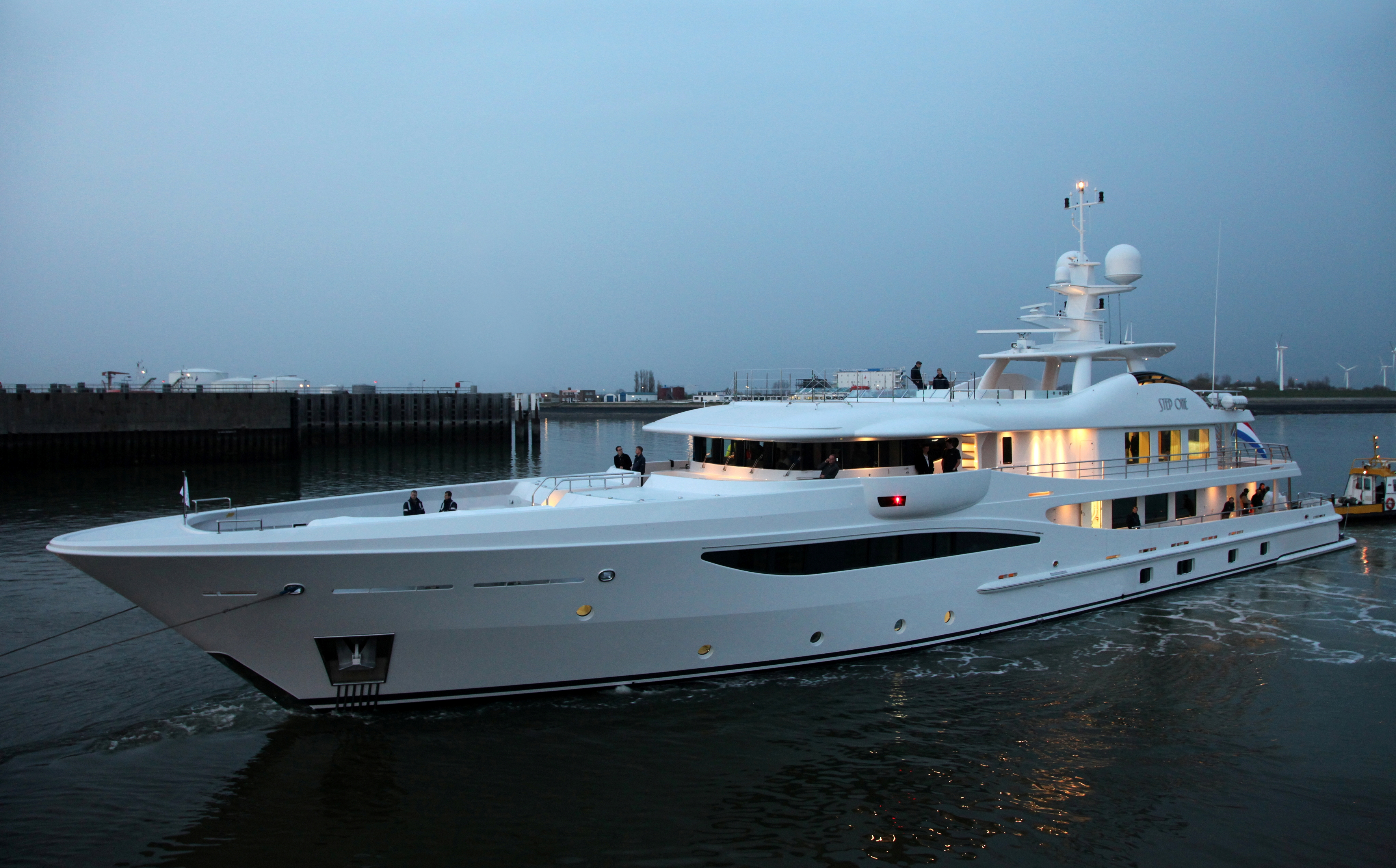 Amels Le 180 Luxury Motor Yacht Step One Yacht Charter