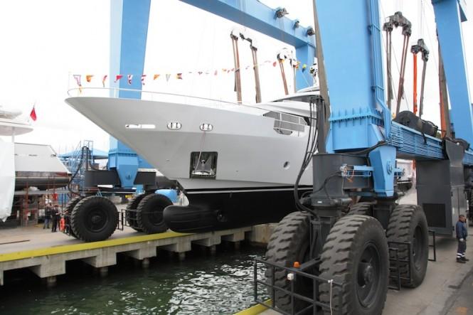 Benetti Delfino 93 motor yacht AZUL