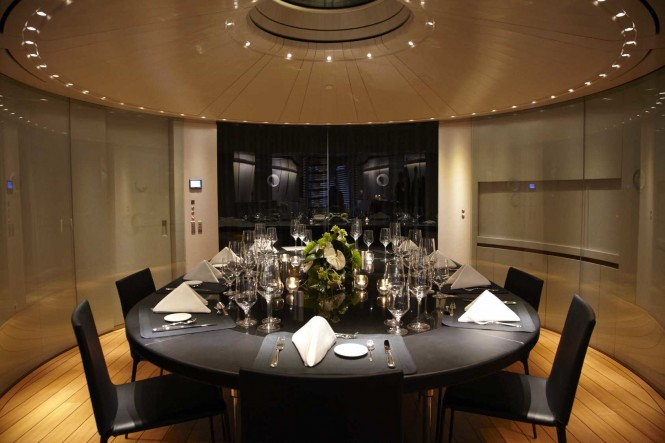 Charter Yacht Panthalassa -  Dining Table