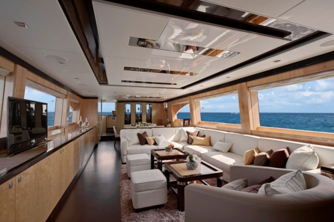 Horizon E84 luxury yacht Virginia Interior