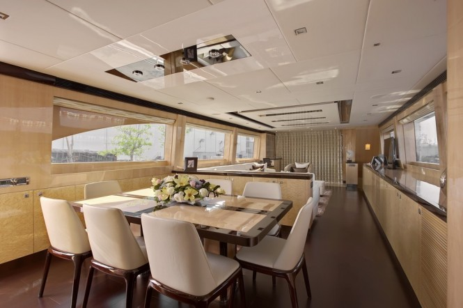 Luxury motor yacht Virginia Dining