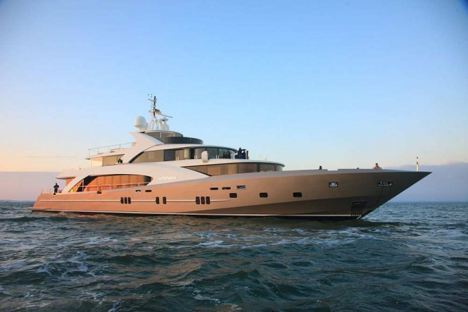 Motor yacht LA PELLEGRINA launched  the 1st 5000 FLY COUACH superyacht