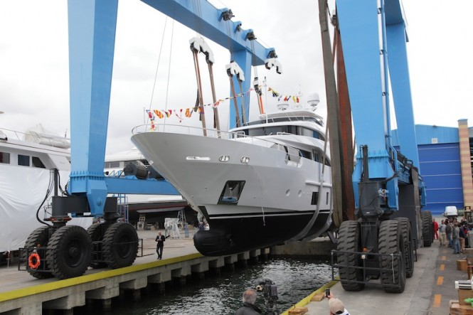 Superyacht AZUL - a Benetti Delfino 93 yacht - Benetti Class Range