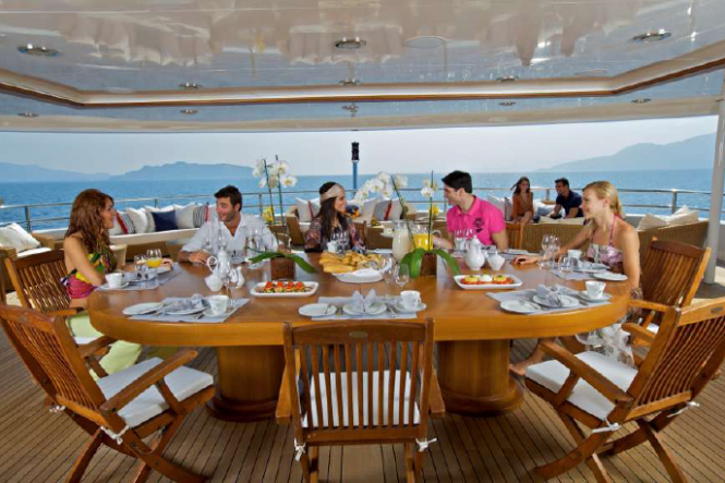 Superyacht O'Mega - Upper Deck Dining