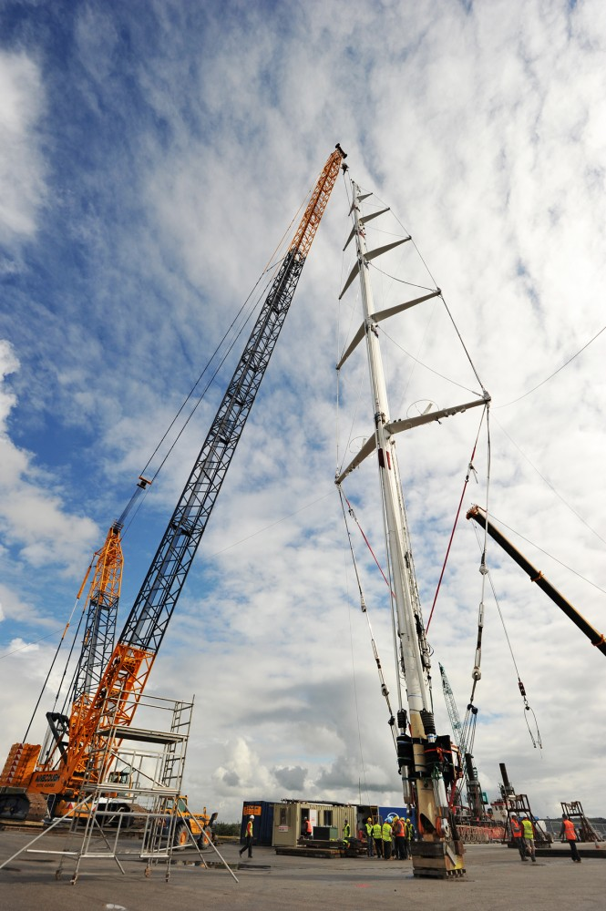 Destepping of the world's largest mast of the 75.2m sailing yacht M5 (ex Mirabella V)