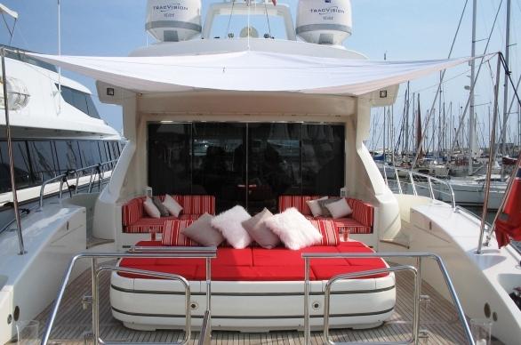 superyacht SOAN -  Aft Sunbathing