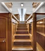 130ft sailing yacht Endeavour - Hallway