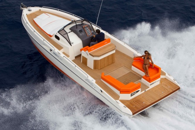 33 Sea Walker yacht - view from above