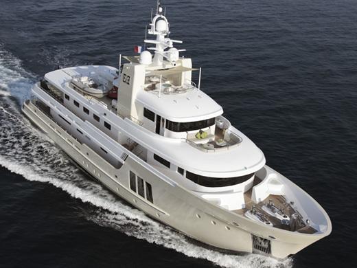 42.09m charter yacht E&E by Cizgi Yacht