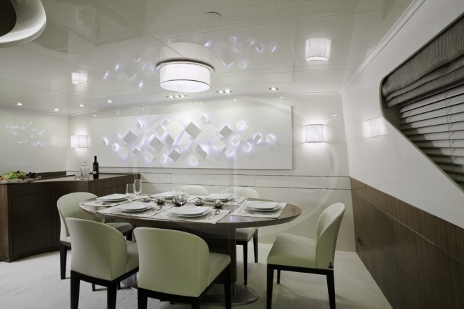 AD5 superyacht Dining