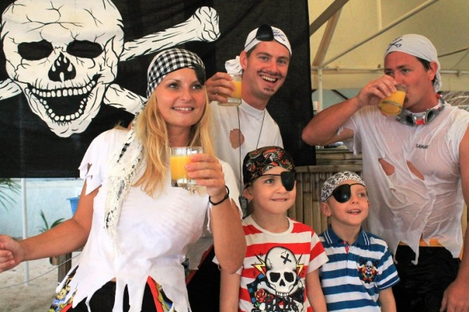 ASR 2011 'Treasure Hunt Pirate Family toast'