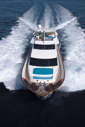 Charter Yacht Powdermonkey - Forward view