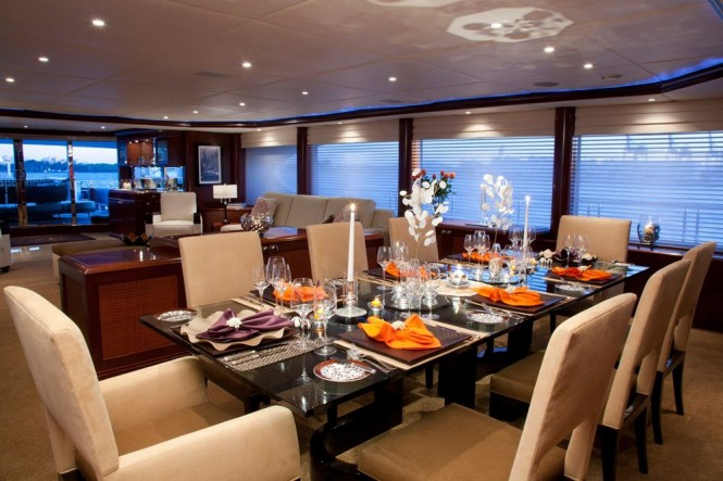 Formal dining - luxury yacht Glaze