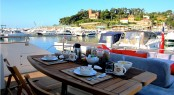 JR Yacht - Alfresco Dining.