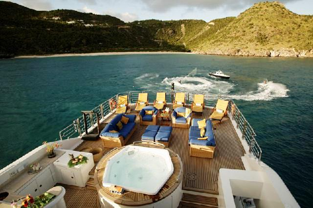 Luxury Yacht Starfire