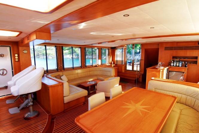 Luxury sailing yacht SEA COMET -  Salon Dining