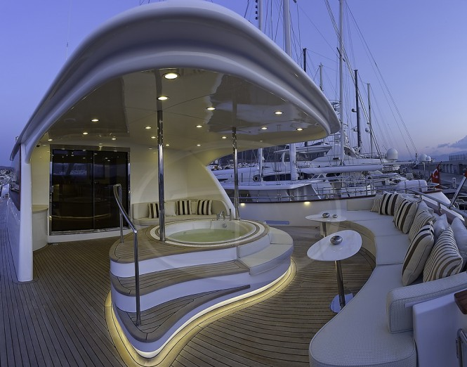 Luxury yacht AD5 Exterior