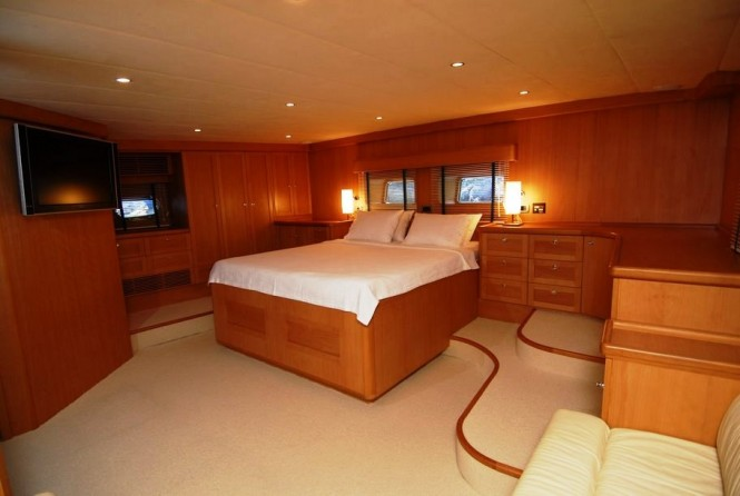Luxury yacht SEA COMET -  Aft Master Cabin