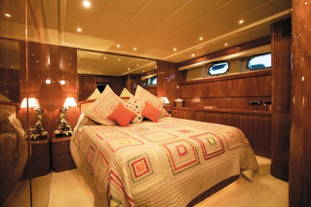 Motor Yacht Powdermonkey - Double Cabin